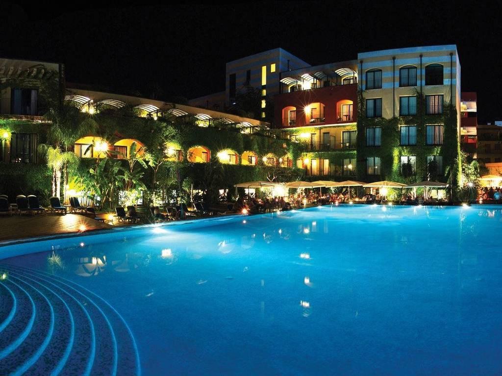 Hotel caesar palace sicily - Hotel caesar palace giardini naxos ...